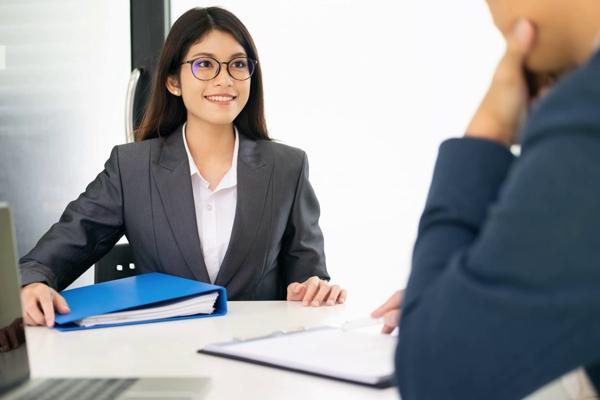 Жизнь после разрешения на работу: порядок действий после получения иностранцем разрешающих документов
