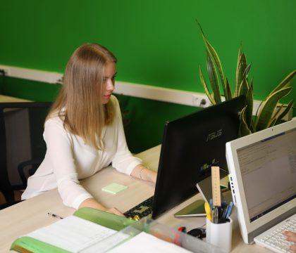 Налоги по иностранным сотрудникам: разъяснения по безвизовым гражданам, визовым, ВКС